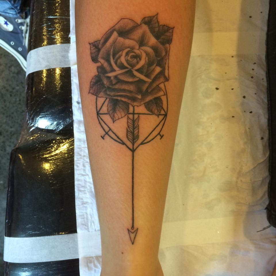 Mike shoreline tattoo st ives cornwall for Tattoo shops cape coral